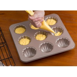 Madeline seashells cake pan